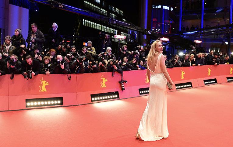 Немецкая актриса, режиссер, сценарист и продюсер Фео Аладаг на церемонии открытия 66-го Берлинского международного кинофестиваля Берлинале - 2016