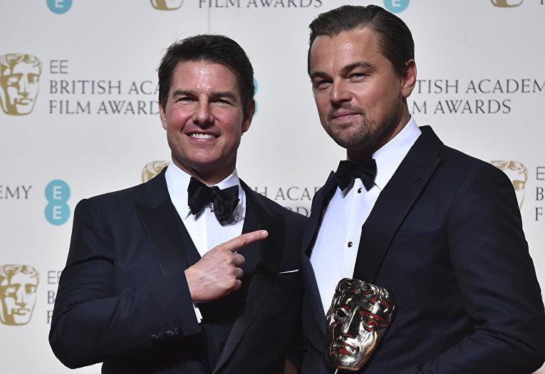 Актеры Том Круз и Леонардо Ди Каприо на церемонии вручения премий Британской академии кино и телевизионных искусств