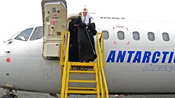 Патриарх Московский и всея Руси Кирилл во время визита на остров Ватерлоо в Антарктиде