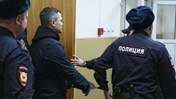 Председатель совета директоров аэропорта Домодедово Дмитрий Каменщик в здании Басманного суда Москвы