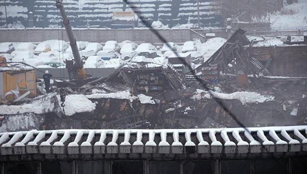 Обрушение крыши на Басманном рынке. Архив