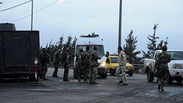 Бригада скорой помощи в квартале Сеида Зейнаб, где произошел теракт