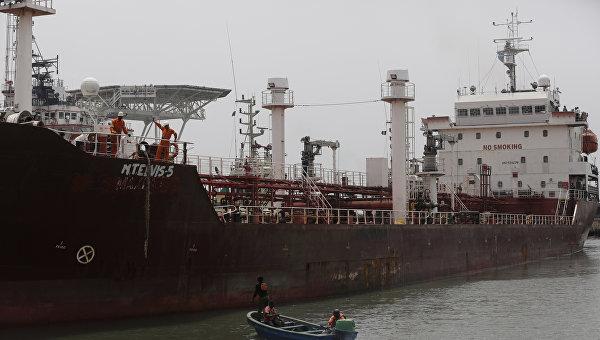 Военно-морские силы Нигерии освободили захваченный нефтяной танкер под флагом Панамы