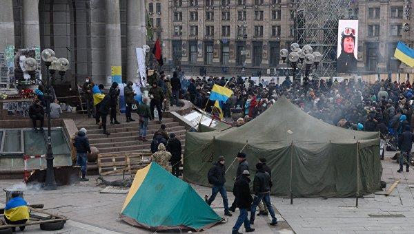 Участники Народного вече радикалов на майдане Незалежности в Киеве. 21 февраля 2016. Архивное фото