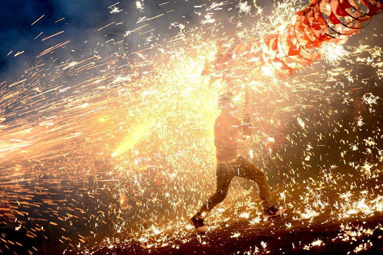 Фестиваль фонариков в городе Тяньцзинь, Китай