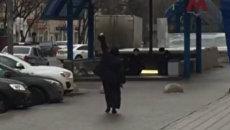 Прохожие сняли на видео подозреваемую в убийстве ребенка в Москве
