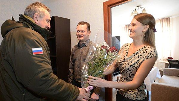 Заместитель председателя правительства РФ Дмитрий Рогозин во время инспекции жилья для сотрудников космодрома Восточный в Амурской области