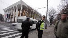Сотрудники полиции в Кишиневе, Республика Молдова. Архивное фото