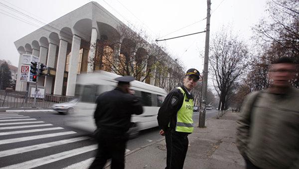 Сотрудники полиции в Кишиневе. Архивное фото
