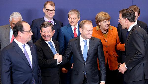 Премьер Турции Ахмет Давутоглу и лидеры стран Евросоюза на саммите в Брюсселе