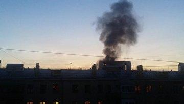 Пожар после взрыва газа в жилом доме в Москве сняли на видео