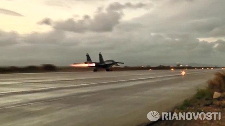 Вылет первой группы самолетов ВКС России с авиабазы Хмеймим в пункты постоянного базирования на территории России
