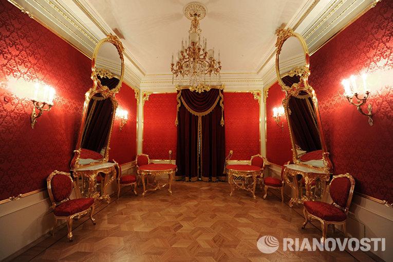 Аванложа (бывшая царская ложа) в Большом театре после завершения реконструкции