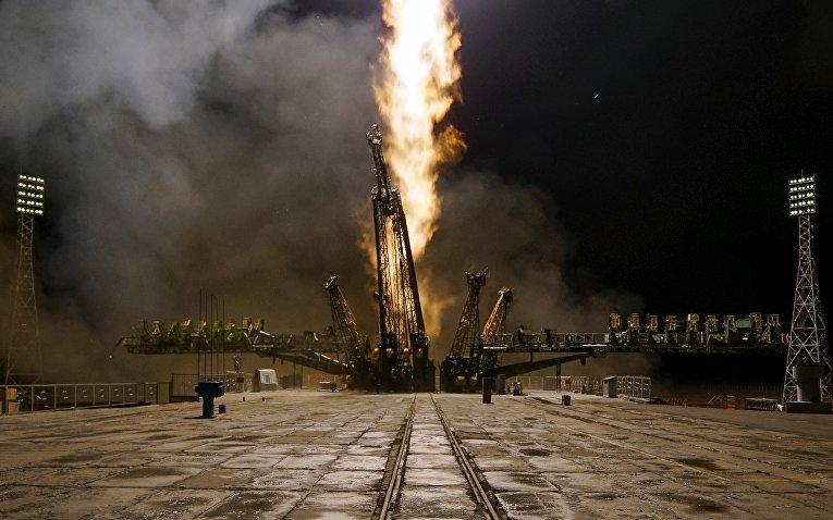 Пуск ракеты-носителя Союз-ФГ с транспортным пилотируемым кораблем Союз ТМА-20М с космодрома Байконур