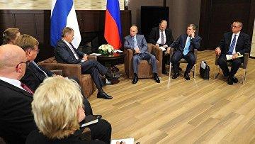 Владимир Путин и Президент Финляндской Республики Саули Ниинистё. 2014 год