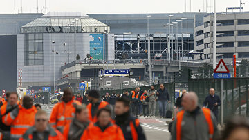 На месте взрывов в аэропорту Брюсселя. 22 марта 2016