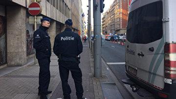 Сотрудники полиции на улице Брюсселя, Бельгия. Архивное фото
