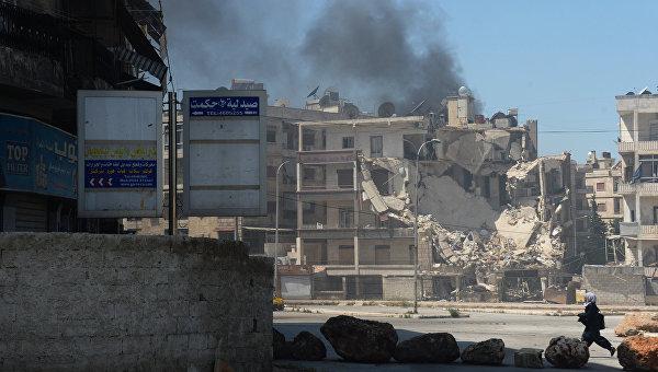 Обстрел боевиками одного из районов города Алеппо. Архивное фото