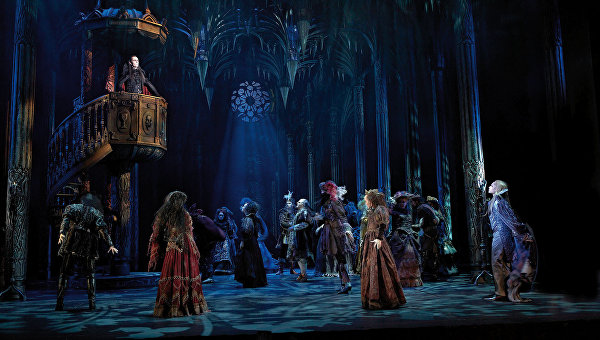 Сцена из мюзикла Бал вампиров. Архивное фото