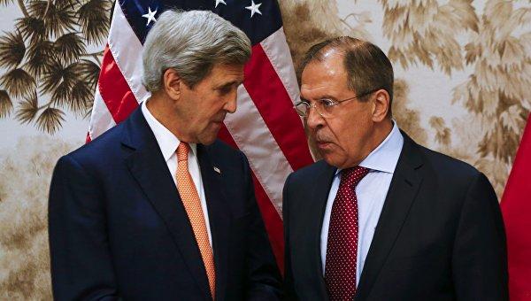 Глава МИД РФ Сергей Лавров и госсекретарь США Джон Керри. Архивное фото