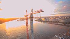 Прыжки бейсджамперов со 120-метрового крана в Петербурге
