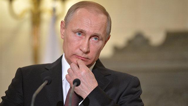 Президент России Владимир Путин во время пресс-конференции в Афинах. 27 мая 2016 года