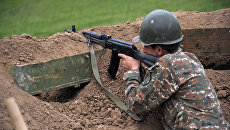 Военнослужащий армии обороны Нагорного Карабаха на первой линии обороны. Архивное фото