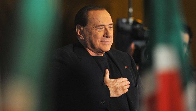 Берлускони поведал, как в годы Второй мировой войны доил коров