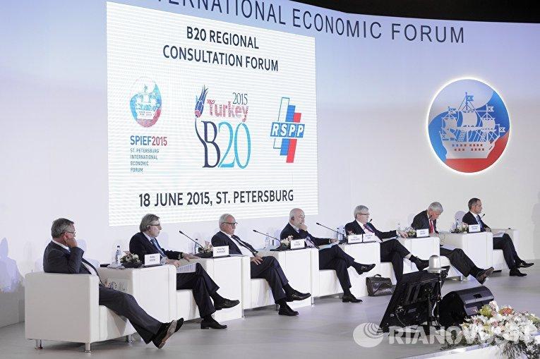 Президент — председатель правления, член наблюдательного совета, ОАО Банк ВТБ Андрей Костин на Петербургском международном экономическом форуме