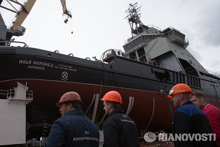 Дизель-электрический ледокол проекта 21180 Илья Муромец, построенный для ВМФ России, на АО Адмиралтейские верфи