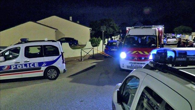 СМИ: убийца полицейских под Парижем призывал убивать журналистов и рэперов