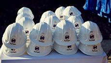 Защитные каски с логотипом ПАО РусГидро. Архивное фото