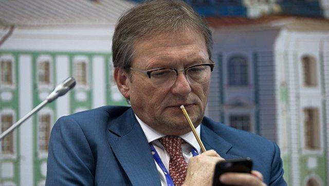 Титов предложил установить мораторий на неналоговые платежи в регионах