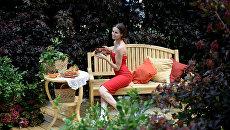 Девушка на открытии V Московского международного фестиваля садов и цветов Moscow Flower Show в парке Музеон