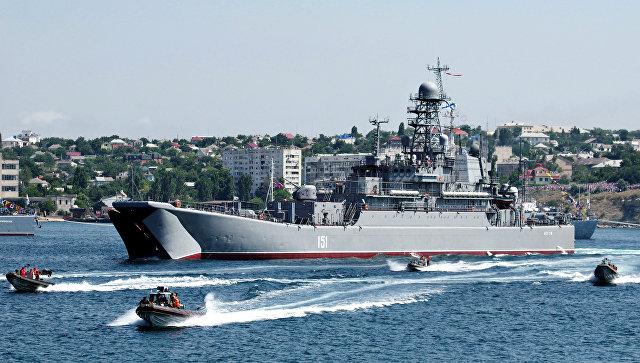 Постпред России при НАТО объяснил усиление военной группировки в Крыму