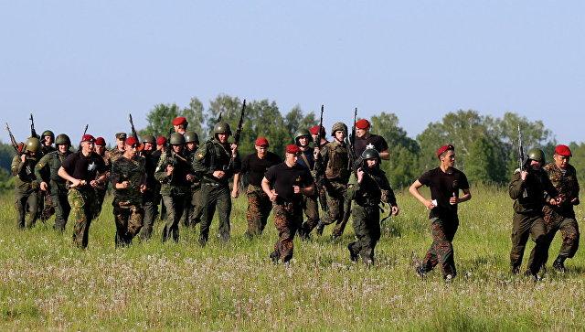 Испытания на право ношения крапового берета в учебном центре Национальной гвардии РФ. Архивное фото