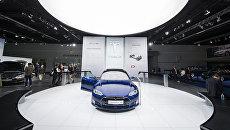 Беспилотный автомобиль Tesla Model S. Архивное фото