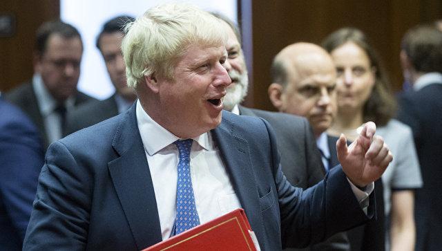 Министр иностранных дел Великобритании Борис Джонсон перед началом заседания совета министров иностранных дел стран ЕС в Брюсселе