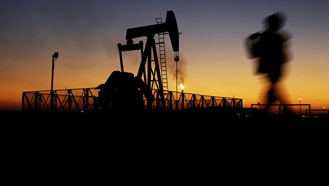 Добыча нефти в Бахрейне. 18 января 2016. Архивное фото
