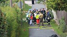 Полиция оцепила место взрыва чемодана возле центра беженцев в Цирндорфе