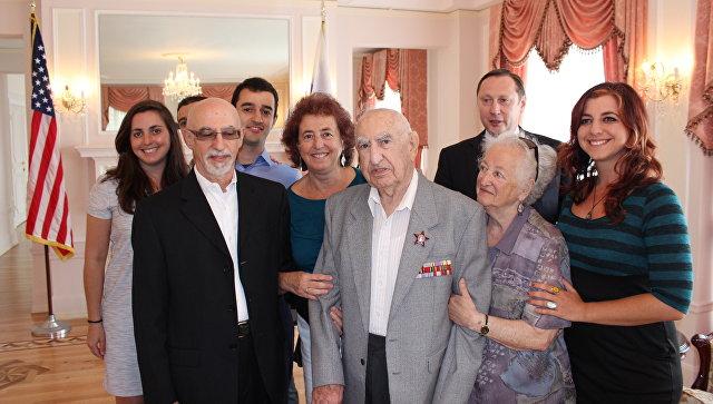 Ветеран Великой Отечественной войны Иосиф Бергер получил орден Красной Звезды в США