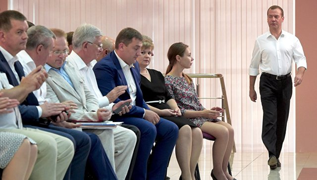 Медведев одобрил снижение ставки покредитам для аграриев
