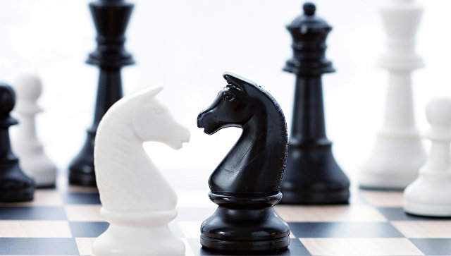 Русский шахматист Непомнящий разделяет лидерство намемориале Таля сГири иАнандом