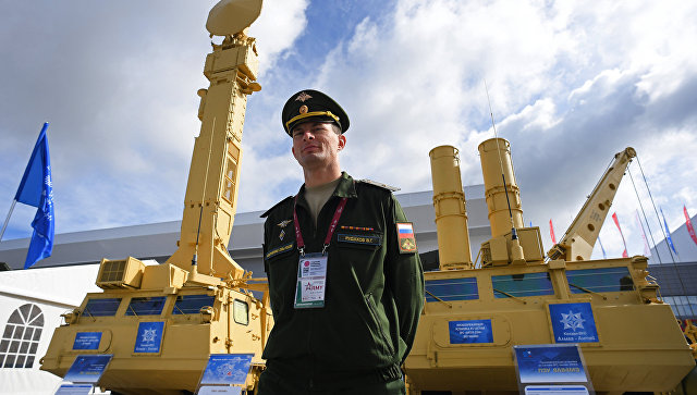Зенитная ракетная система Антей-2500 представлена в открытой экспозиции на Международном военно-техническом форуме АРМИЯ-2016
