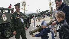 Посетители на закрытии Международного военно-технического форума Армия-2016