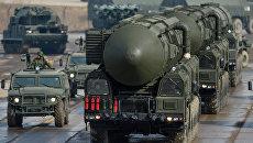 Транспортно-пусковая установка межконтинентальных баллистических ракет Тополь-М. Архивное фото