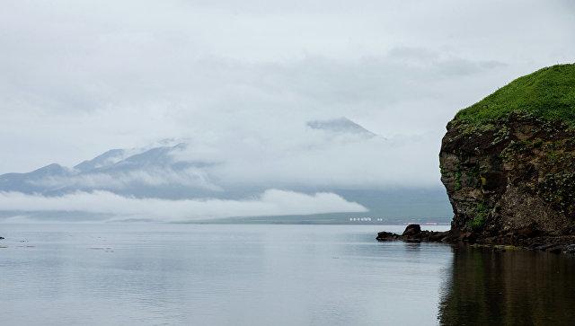 Вид на вулкан Богдан Хмельницкий на острове Итуруп, Курильские острова