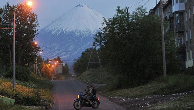 Шесть лавовых потоков стекают посклону Ключевского вулкана