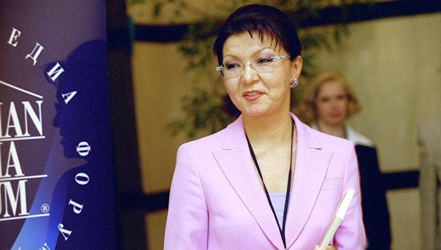 Нурсултан Назарбаев назначил дочь депутатом сената страны