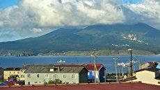 Действующий вулкан Менделеев. Архивное фото
